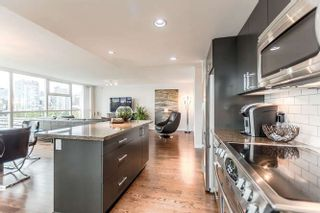 """Photo 3: 905 125 MILROSS Avenue in Vancouver: Mount Pleasant VE Condo for sale in """"CREEKSIDE"""" (Vancouver East)  : MLS®# R2218297"""