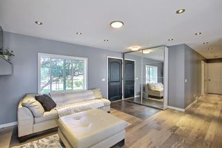 Photo 8: 5004 2 Street NW in Calgary: Thorncliffe Detached for sale : MLS®# A1124889