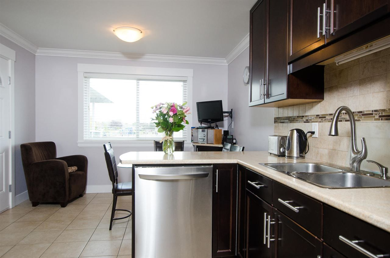 Photo 3: Photos: 4652 60B Street in Delta: Holly House for sale (Ladner)  : MLS®# R2366212
