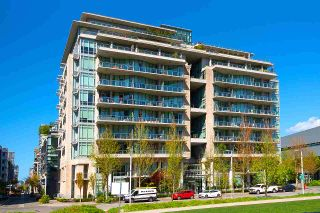 """Photo 13: 11 WALTER HARDWICK Avenue in Vancouver: False Creek Townhouse for sale in """"Kayak"""" (Vancouver West)  : MLS®# R2571642"""