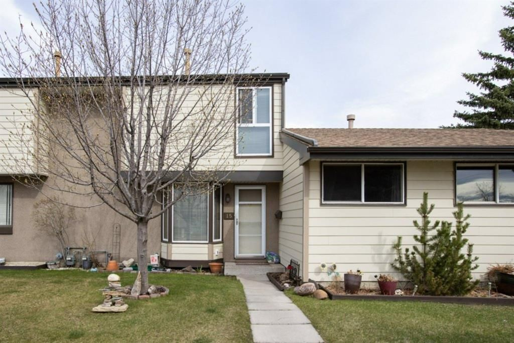Main Photo: 15 1845 Lysander Crescent SE in Calgary: Ogden Row/Townhouse for sale : MLS®# A1093994