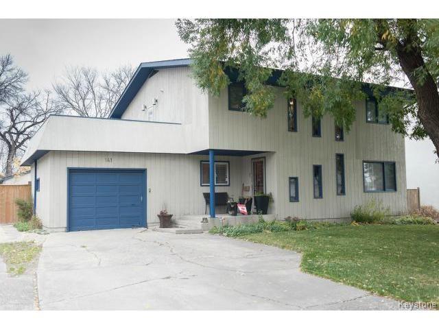 Main Photo: 141 Rossmere Crescent in WINNIPEG: East Kildonan Residential for sale (North East Winnipeg)  : MLS®# 1426019