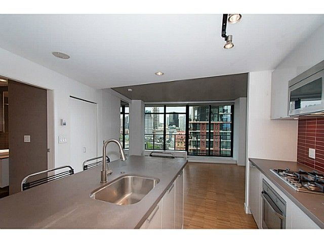 """Main Photo: 1906 108 W CORDOVA Street in Vancouver: Downtown VW Condo for sale in """"Woodwards W32"""" (Vancouver West)  : MLS®# V1121064"""