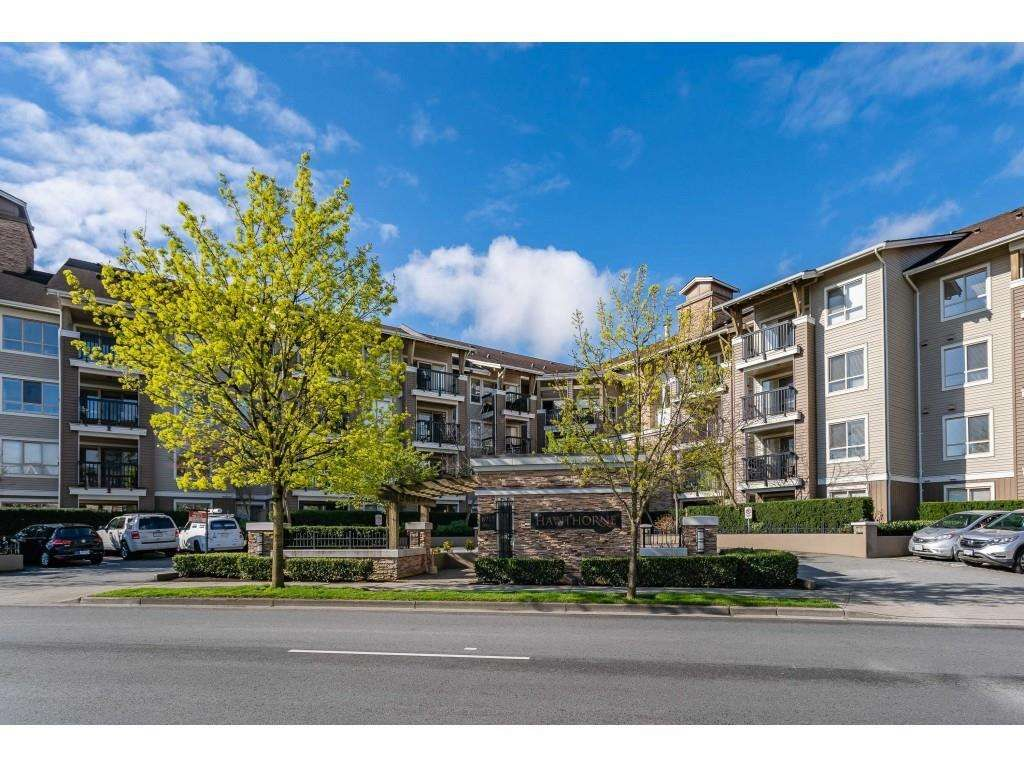 "Main Photo: 216 8915 202 Street in Langley: Walnut Grove Condo for sale in ""Hawthorne"" : MLS®# R2573295"