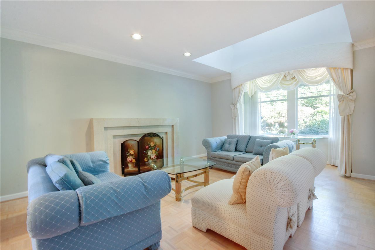 Photo 3: Photos:  in North Vancouver: Upper Lonsdale House for sale