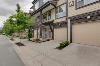 """Photo 2: 38344 EAGLEWIND Boulevard in Squamish: Downtown SQ Townhouse for sale in """"Eaglewind-Streams"""" : MLS®# R2178583"""