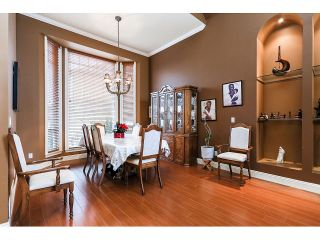 Photo 5: 15945 89A Avenue in Surrey: Fleetwood Tynehead House for sale : MLS®# R2016465