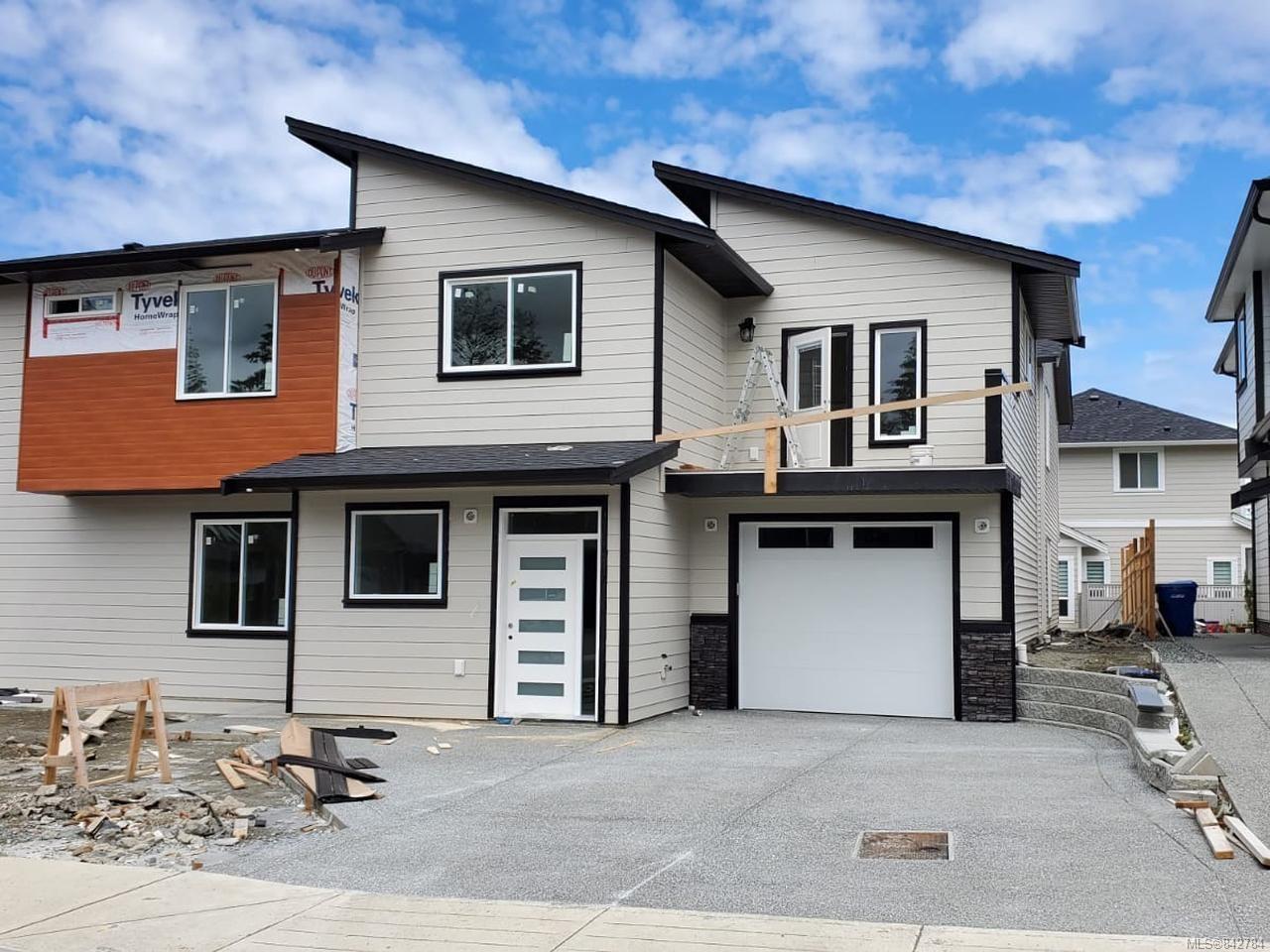 Main Photo: 152 Lindquist Rd in NANAIMO: Na North Nanaimo Half Duplex for sale (Nanaimo)  : MLS®# 842784