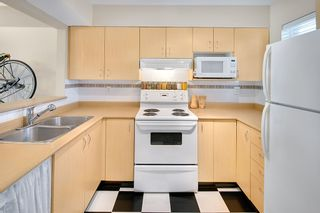 """Photo 8: 20 123 SEVENTH Street in New Westminster: Uptown NW Townhouse for sale in """"ROYAL CITY TERRACE"""" : MLS®# R2170926"""