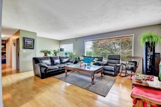 Photo 10: 33250 RAVINE Avenue in Abbotsford: Central Abbotsford House for sale : MLS®# R2617476