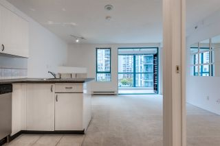 """Photo 3: 910 939 HOMER Street in Vancouver: Yaletown Condo for sale in """"THE PINNACLE"""" (Vancouver West)  : MLS®# R2512936"""