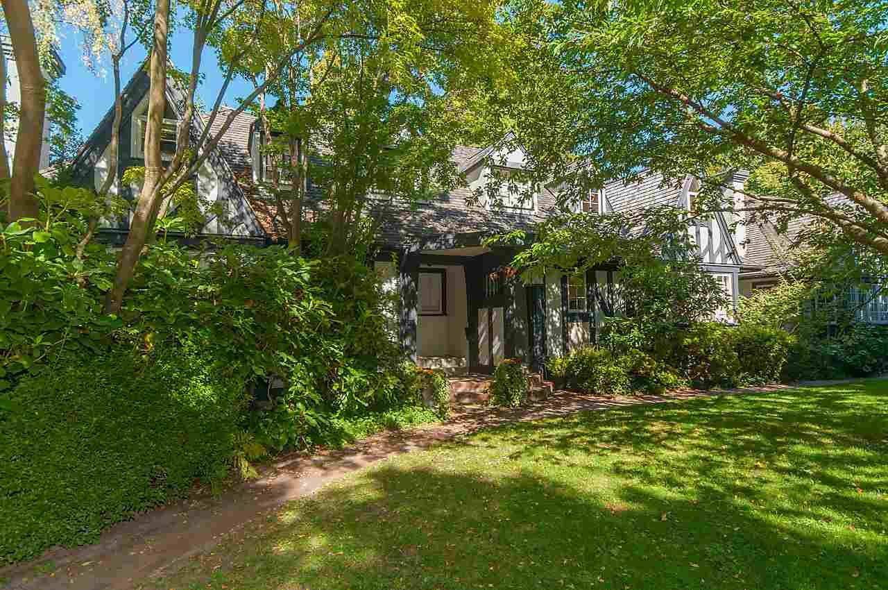 """Main Photo: 1 1820 BAYSWATER Street in Vancouver: Kitsilano Townhouse for sale in """"TATLOW COURT"""" (Vancouver West)  : MLS®# R2111022"""