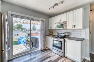 Photo 10: 15 Rivercrest Crescent SE in Calgary: Riverbend Detached for sale : MLS®# A1126061