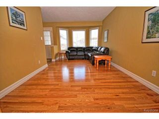 Photo 3: 149 Camirant Crescent in WINNIPEG: Windsor Park / Southdale / Island Lakes Residential for sale (South East Winnipeg)  : MLS®# 1409370