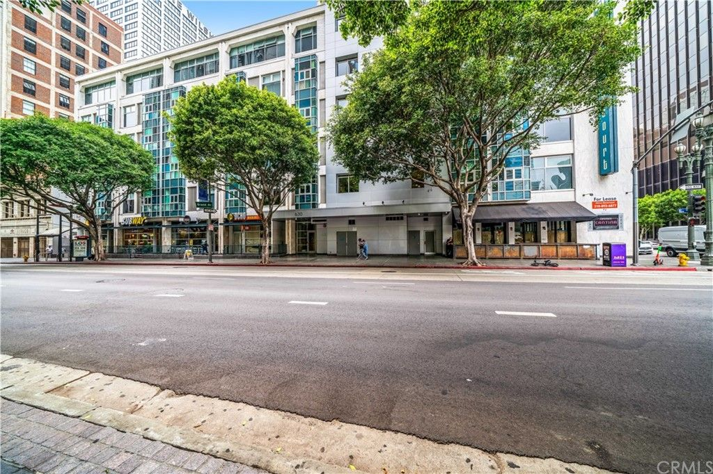 Main Photo: 630 W 6th Street Unit 403 in Los Angeles: Residential for sale (C42 - Downtown L.A.)  : MLS®# OC21221694