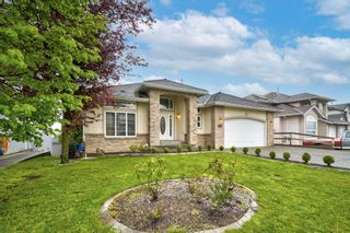 """Photo 3: 3543 SUMMIT Drive in Abbotsford: Abbotsford West House for sale in """"NORTH-WEST ABBOTSFORD"""" : MLS®# R2609252"""