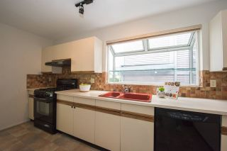 Photo 8: 3149 W 3RD Avenue in Vancouver: Kitsilano 1/2 Duplex for sale (Vancouver West)  : MLS®# R2072201