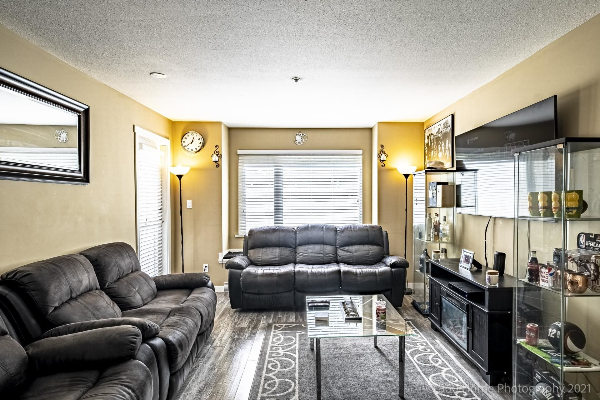 """Main Photo: 211 2373 ATKINS Avenue in Port Coquitlam: Central Pt Coquitlam Condo for sale in """"CARMANDY"""" : MLS®# R2613628"""