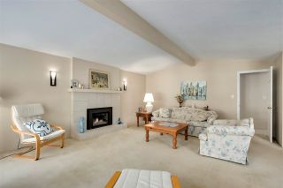 """Photo 3: 1853 HARBOUR Drive in Coquitlam: Harbour Place House for sale in """"HARBOUR PLACE"""" : MLS®# R2571949"""