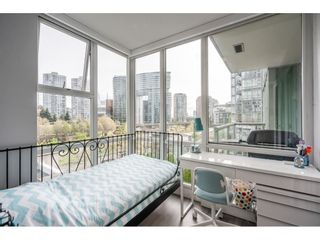 """Photo 15: 607 1077 MARINASIDE Crescent in Vancouver: Yaletown Condo for sale in """"Marinaside Resort"""" (Vancouver West)  : MLS®# R2573754"""