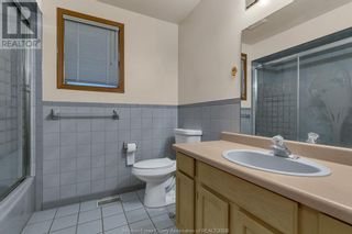 Photo 16: 638 Mckay AVENUE in Windsor: House for sale : MLS®# 21017569