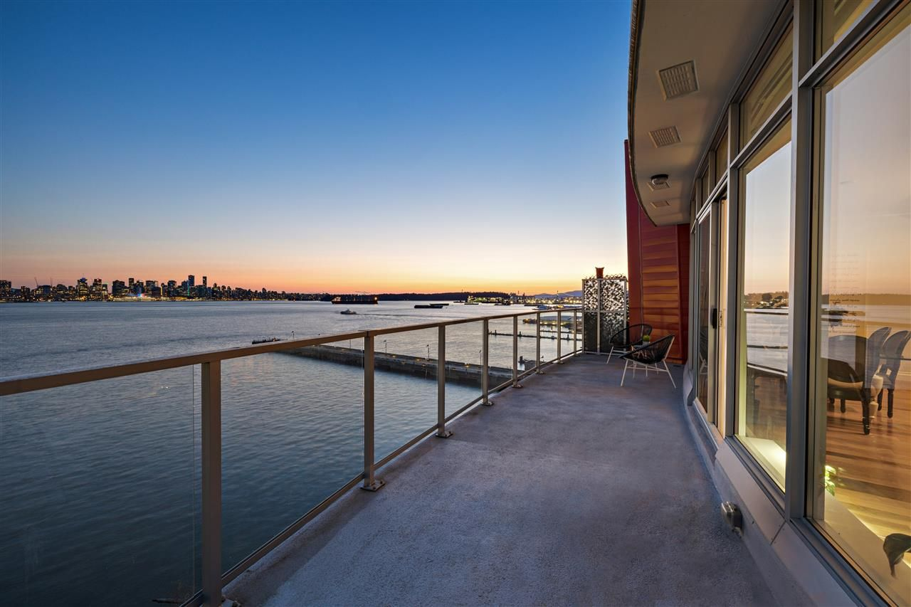 """Main Photo: 801 185 VICTORY SHIP Way in North Vancouver: Lower Lonsdale Condo for sale in """"Cascade East At The Pier"""" : MLS®# R2560528"""