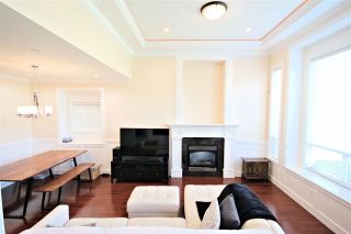 "Photo 4: 6212 NEVILLE Street in Burnaby: South Slope 1/2 Duplex for sale in ""South Slope"" (Burnaby South)  : MLS®# R2570951"