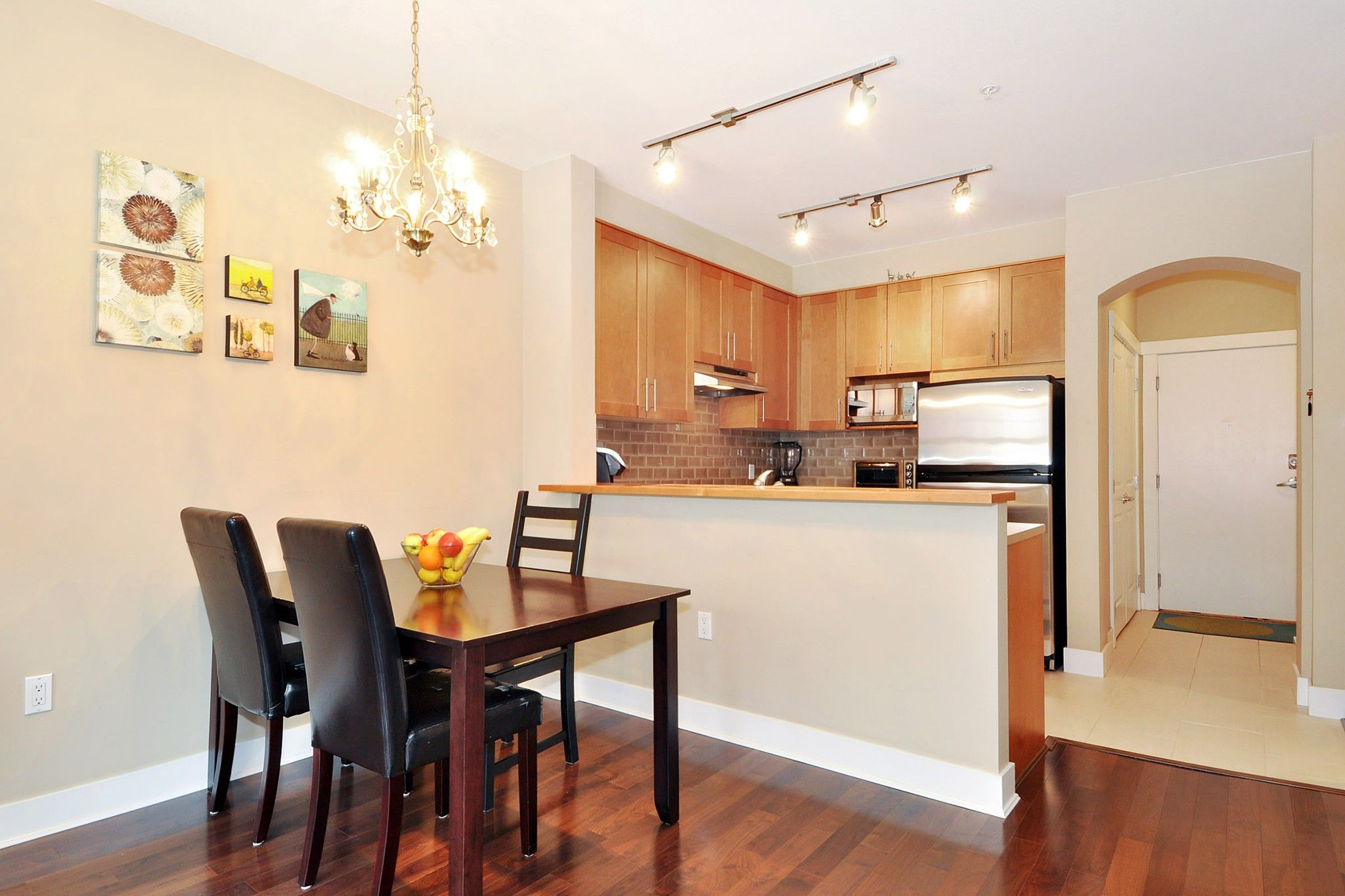 """Photo 4: Photos: 222 2083 W 33RD Avenue in Vancouver: Quilchena Condo for sale in """"DEVONSHIRE HOUSE"""" (Vancouver West)  : MLS®# R2341234"""