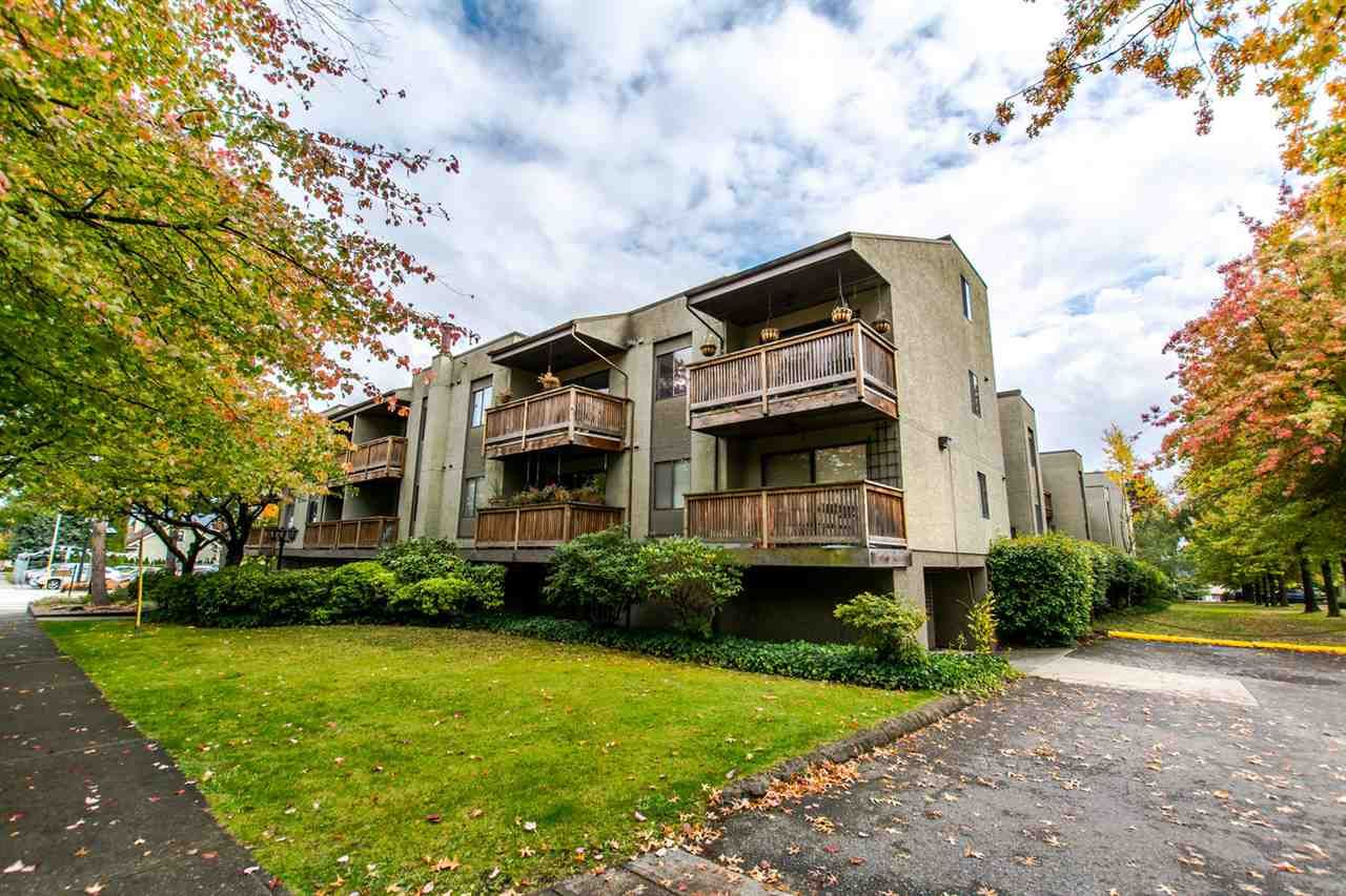 """Main Photo: 220 1202 LONDON Street in New Westminster: West End NW Condo for sale in """"LONDON PLACE"""" : MLS®# R2114387"""