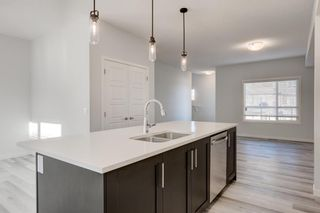 Photo 11: 268 Harvest Hills Way NE in Calgary: Harvest Hills Row/Townhouse for sale : MLS®# A1069741