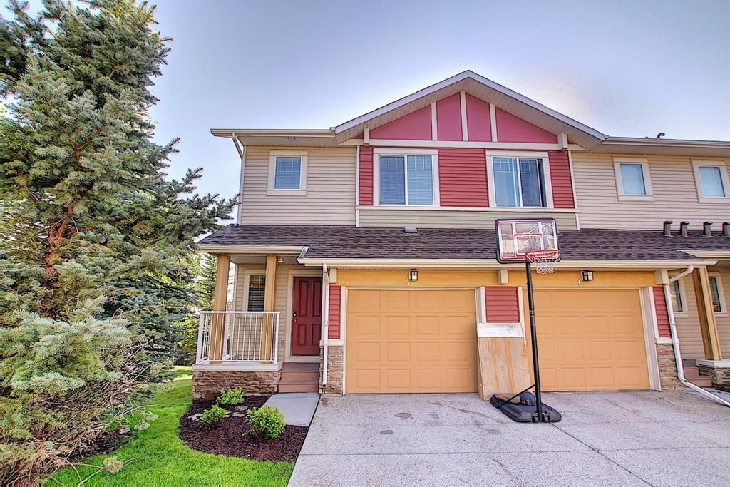 Main Photo: 4 Sage Hill Common NW in Calgary: Sage Hill Row/Townhouse for sale : MLS®# A1139870