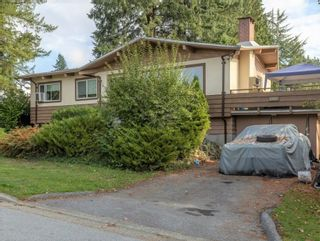 Photo 3: 2261 GALE Avenue in Coquitlam: Central Coquitlam House for sale : MLS®# R2624025