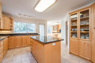 "Photo 12: 301 14934 THRIFT Avenue: White Rock Condo for sale in ""Villa Positano"" (South Surrey White Rock)  : MLS®# R2538501"