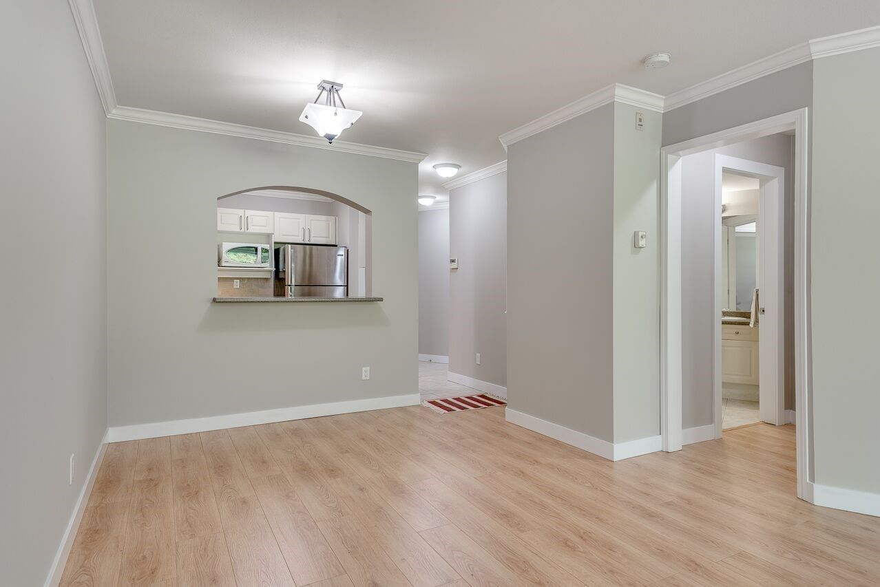"""Photo 7: Photos: 211 3738 NORFOLK Street in Burnaby: Central BN Condo for sale in """"Winchelsea"""" (Burnaby North)  : MLS®# R2276086"""