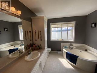 Photo 20: 3910 ABBEY FRONTAGE ROAD in Lac La Hache: House for sale : MLS®# R2610967