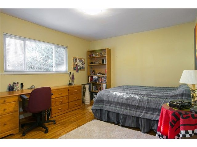 Photo 9: Photos: 756 BLYTHWOOD Drive in North Vancouver: Delbrook House for sale : MLS®# V1046211