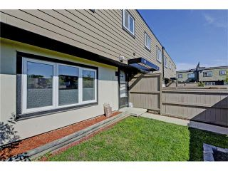 Photo 19: 109 3809 45 Street SW in Calgary: Glenbrook House for sale : MLS®# C4066213