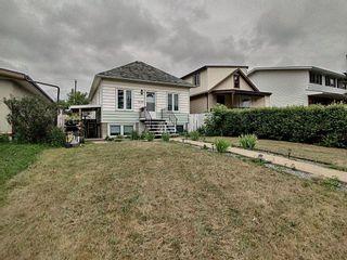 Photo 2: 7433 83 Avenue in Edmonton: Zone 18 House for sale : MLS®# E4253323