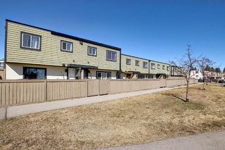 Photo 34: 22 3809 45 Street SW in Calgary: Glenbrook Row/Townhouse for sale : MLS®# A1090876