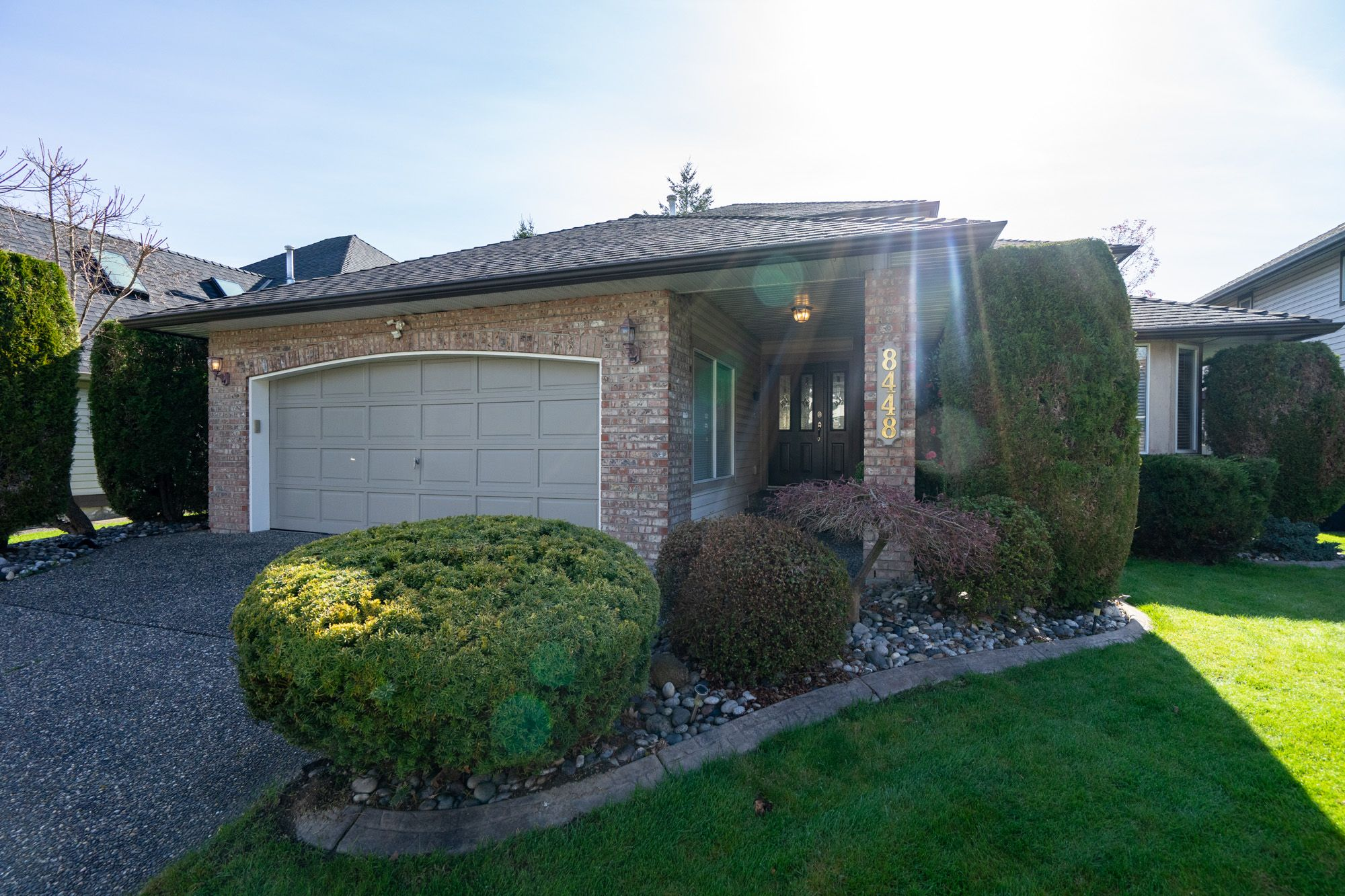 """Photo 2: Photos: 8448 213 Street in Langley: Walnut Grove House for sale in """"Forest Hills"""" : MLS®# R2259409"""