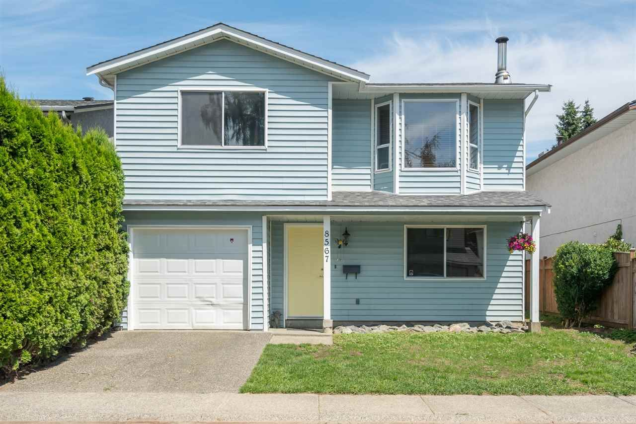Main Photo: 8567 MCCUTCHEON Avenue in Chilliwack: Chilliwack W Young-Well House for sale : MLS®# R2202086