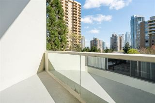 """Photo 10: 704 4200 MAYBERRY Street in Burnaby: Metrotown Condo for sale in """"TIMES SQUARE"""" (Burnaby South)  : MLS®# R2573278"""