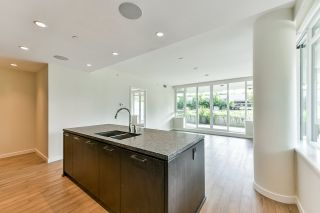 """Photo 2: 203 788 ARTHUR ERICKSON Place in West Vancouver: Park Royal Condo for sale in """"EVELYN - Forest's Edge 3"""" : MLS®# R2556551"""