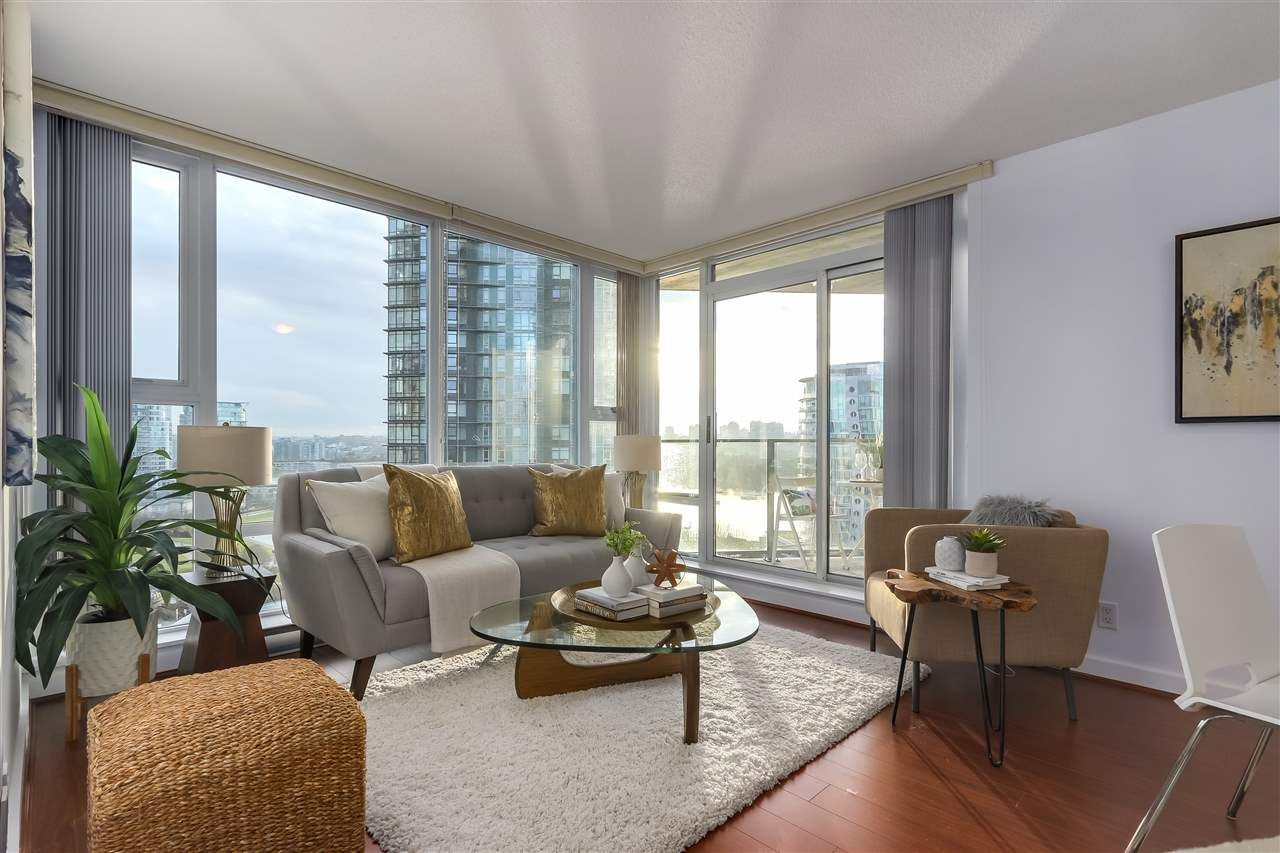"""Main Photo:  in Vancouver: Yaletown Condo for sale in """"Park West 1"""" (Vancouver West)  : MLS®# R2327595"""