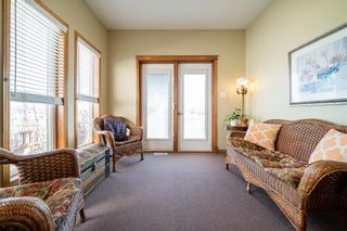 Photo 9: 63 WINTERHAVEN Drive in Winnipeg: River Park South Residential for sale (2F)  : MLS®# 202105931