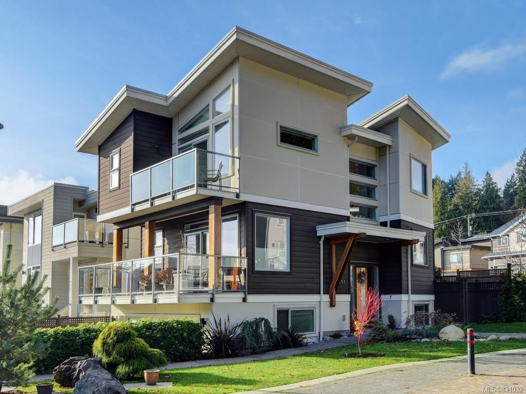 Main Photo: 453 Regency Pl in Colwood: Co Royal Bay House for sale : MLS®# 831032