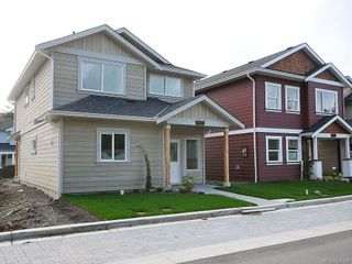 Photo 1: 3337 Piper Rd in Langford: La Luxton House for sale : MLS®# 628198
