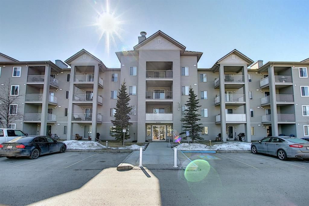 Main Photo: 2206 604 8 Street SW: Airdrie Apartment for sale : MLS®# A1081964