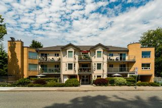 """Photo 2: 301 15255 18 Avenue in Surrey: King George Corridor Condo for sale in """"The Courtyard"""" (South Surrey White Rock)  : MLS®# R2599838"""