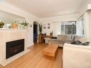 Photo 2: 2551 Foul Bay Rd in VICTORIA: OB Henderson House for sale (Oak Bay)  : MLS®# 817904